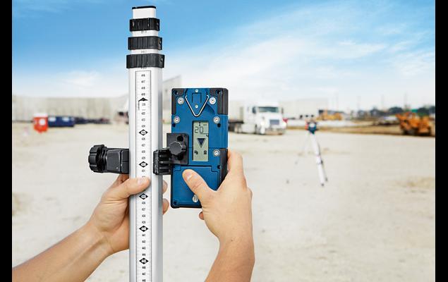 Nivelă laser rotativă tip GRL 600 CHV Professional + LR 60 + BT 170 HD + GR 240