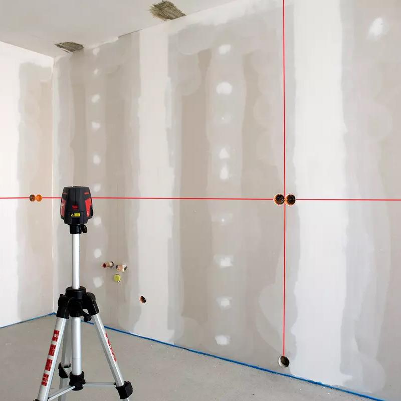 Nivela laser cu 3 linii, masurare in plan orizontal si vertical, raza de culoare rosie, SOLA Austria tip QUBO PROFESSIONAL + Accesorii