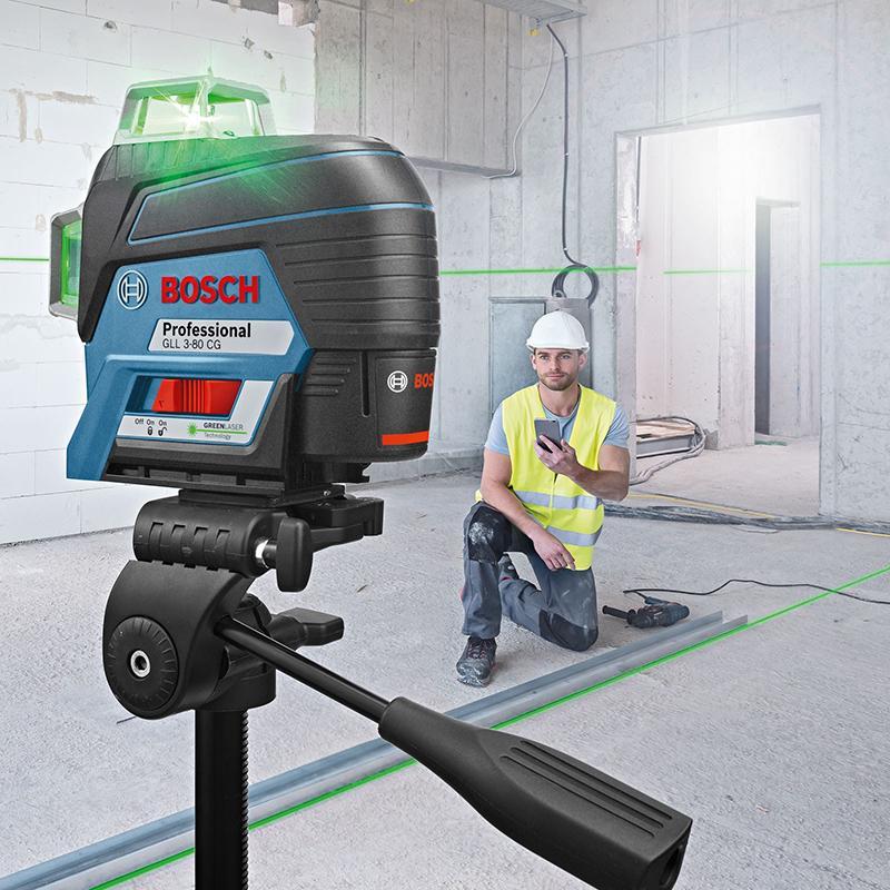 Nivela laser cu linii Bosch, tip GLL 3-80 CG