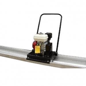 Rigla vibranta cu motor termic, tip UVSB 600
